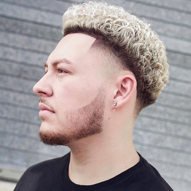 männer frisuren locken blond
